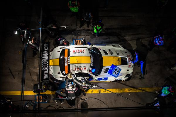 Bildergallerie - 24h-Rennen 2014 - Boxengasse und Rennen bei Nacht