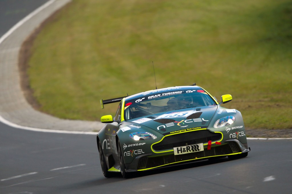 Aston Martin Erfolgreiche Fahrschüler Adac Total 24h Rennen Nürburgring