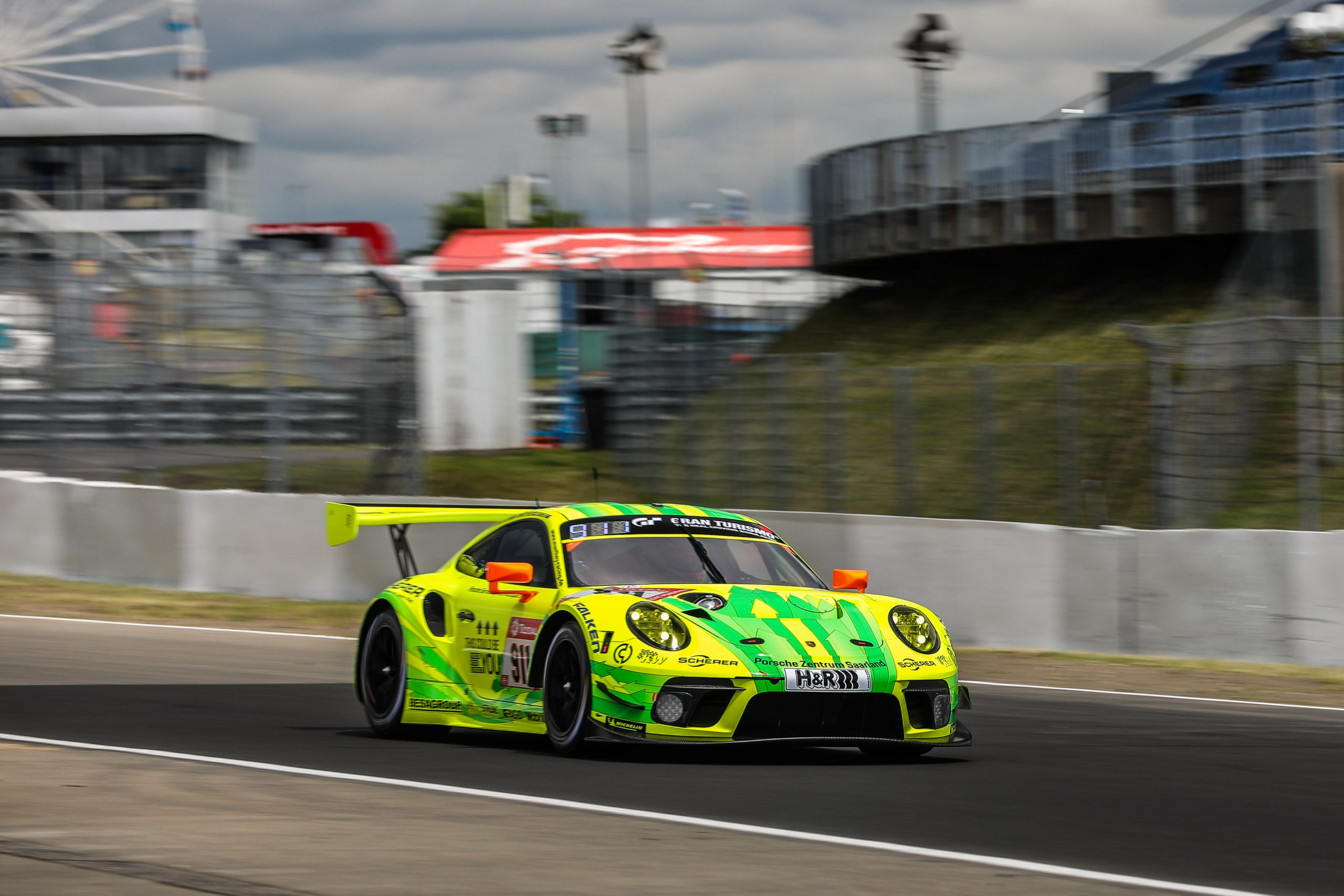 Manthey Porsche #911 the quickest in qualifying session two