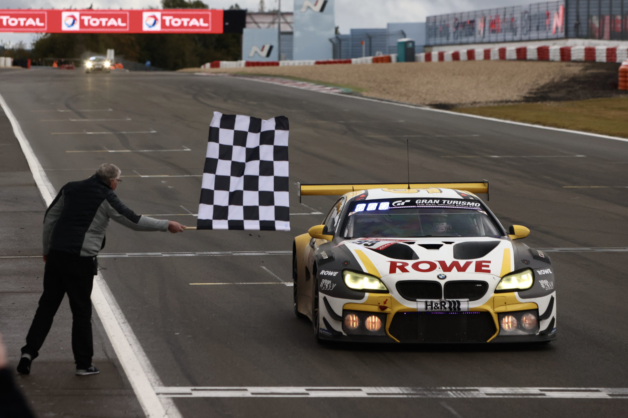 Rowe Racing gives BMW anniversary win