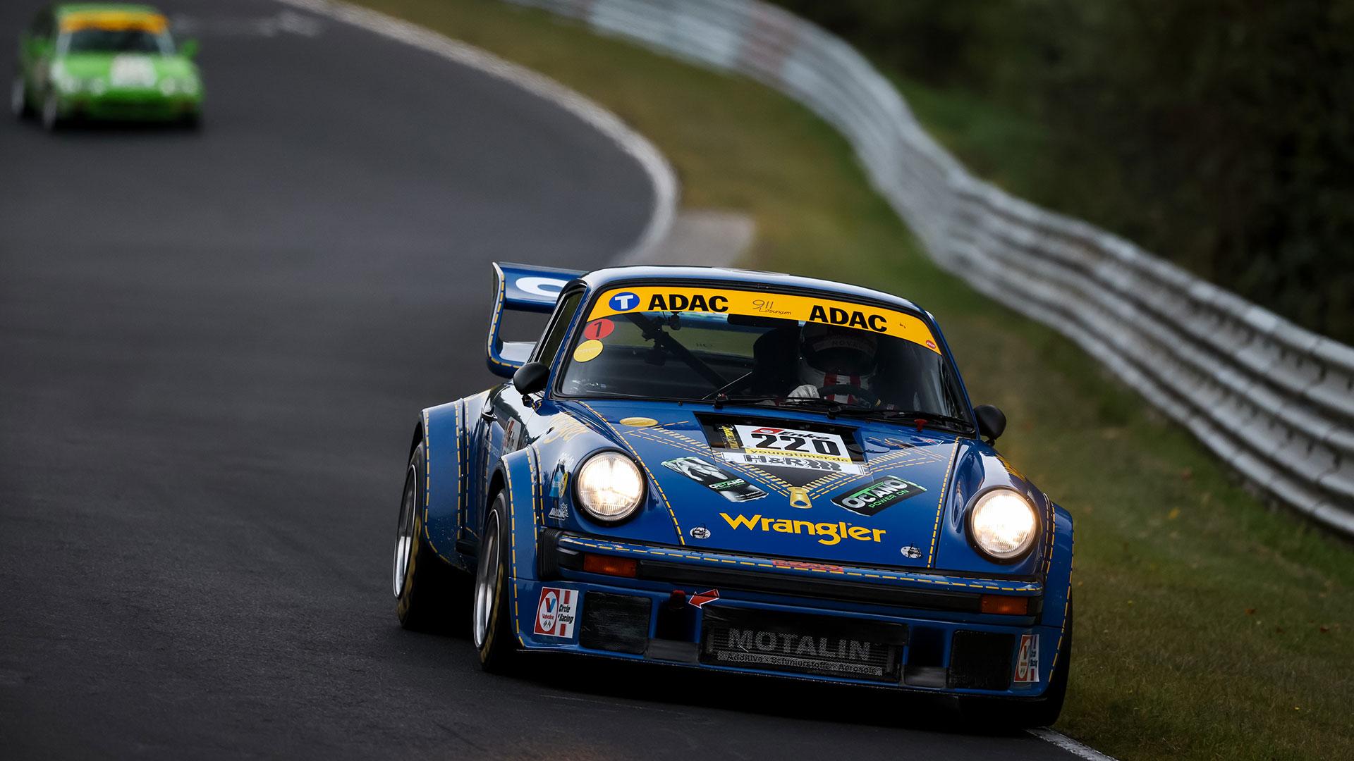 Dreifacher Porsche-Sieg bei den Classics