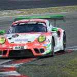 Frikadelli Racing: Podiumsplatz und Top-10 Ergebnis zur Einweihung der Sabine-Schmitz-Kurve